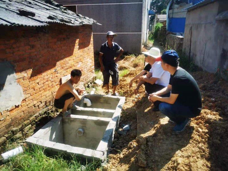 雷埠乡人大助推农村改厕工作